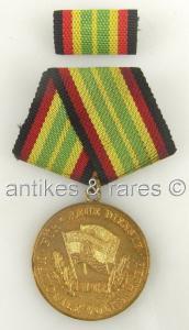 DDR Medaille für treue Dienste in der Nationalen Volksarmee in Gold