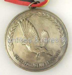 Alte Siegerplakette: Sporttauben in Silber, Für hervorragende Leistungen