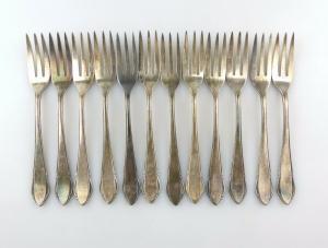 #e7403 12 tolle alte versilberte Kuchengabeln von WMF 90er Silberauflage