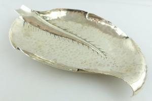 Dekorative Schale in 800 (Ag) Silber in Blattoptik e1537