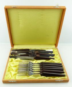 E11188 Original altes rostfreies Besteck mit Bakelit Griffen 12 Teile in OVP