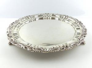 #e4900 Englisches 925 (Ag) Silber Sheffield Tablett auf drei Füßen