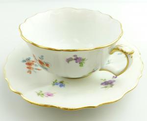 E11227 Meissen Kaffee Tee Gedeck Knaufzeit Streublümchen mit Goldrand 1 Wahl