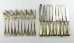 E9288 19 Besteckteile 9 Messer und 10 Gabeln Gründerzeit versilbert