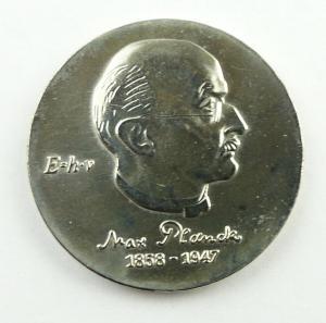 E11286 5 Mark Münze DDR 1983 Max Planck 1858-1947
