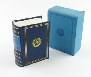 E11288 Minibuch Jugendgesetz der DDR mit persönlicher Widmung 1974