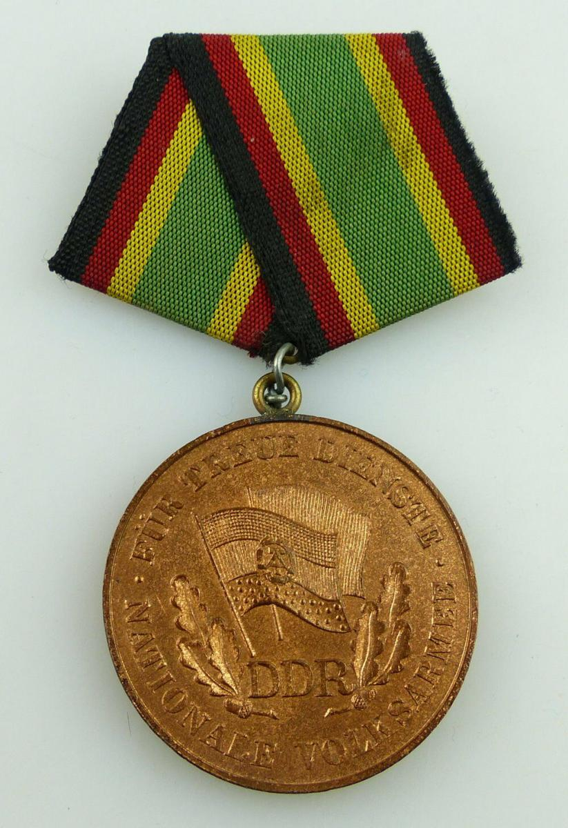 Medaille Für Treue Dienste NVA in Bronze + Urkunde 1957 verliehen, Orden3158 3