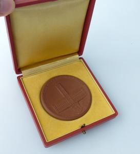 Meissen Medaille : 10 Jahre Demokratisches Berlin 1948 - 1958/ r 252