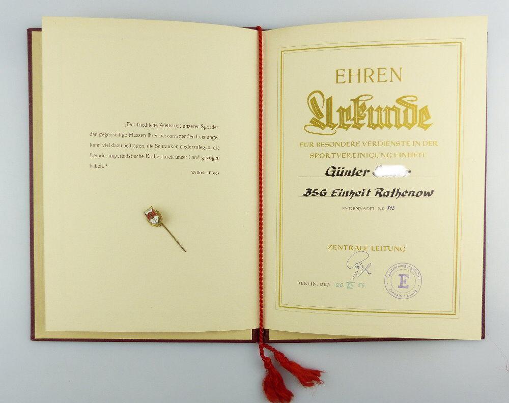 #e2979 Nachlass: Ehrenurkunde mit Ehrennadel BSG Einheit Rathenow Nr.313, 1956 3