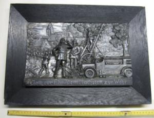 Relief mit Feuerwehrmotiv 1936