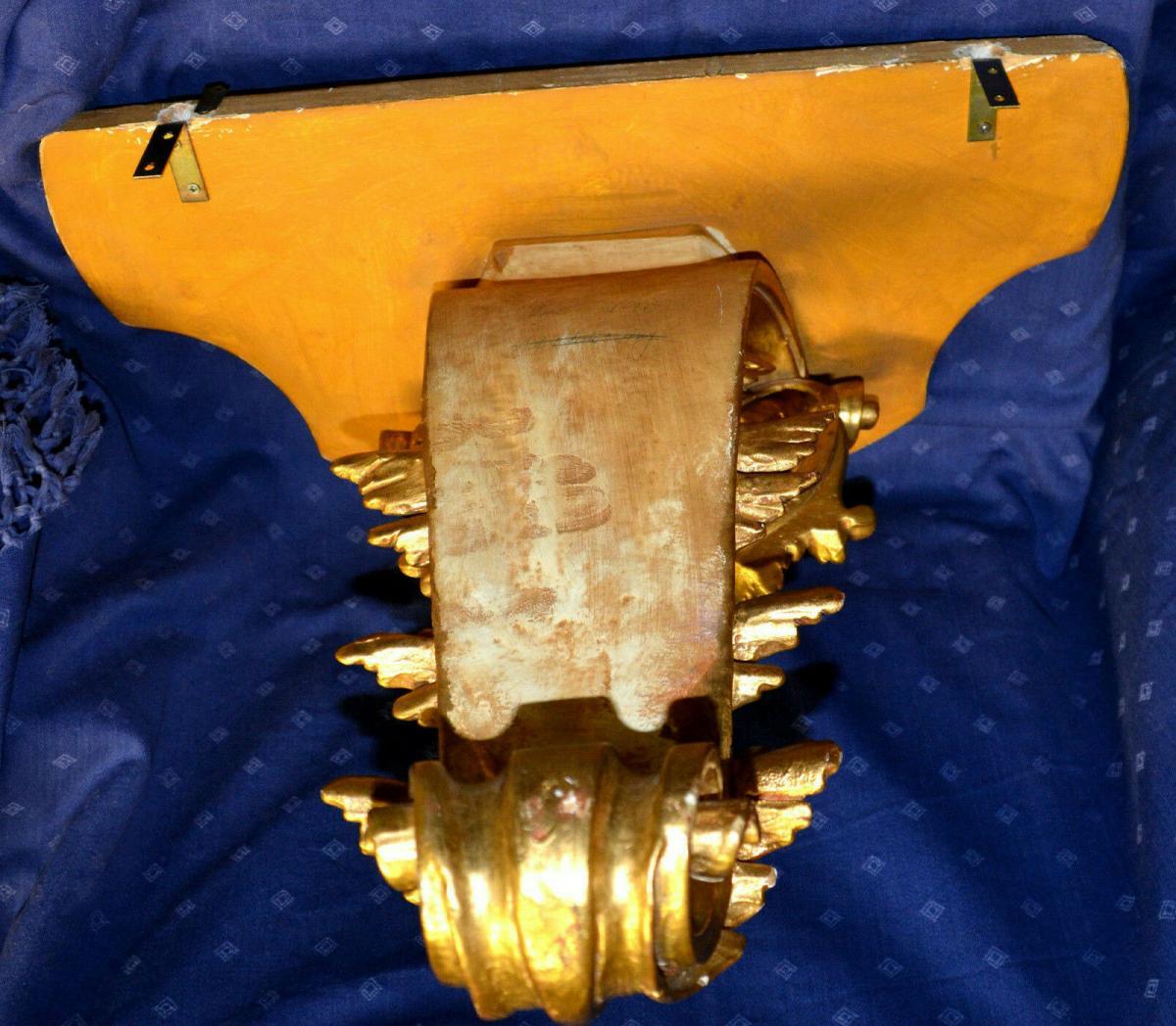 Grosse Wandkonsole,aufwendig geschnitzt, gold gefasst,Süddeutsch,Weichholz 3
