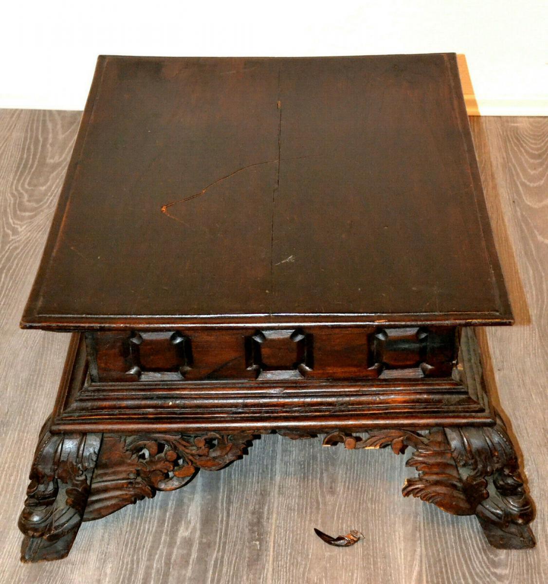Möbel,kleiner Beistelltisch,deutsch, Eiche,um 1900,leichte Beschädigungen 3