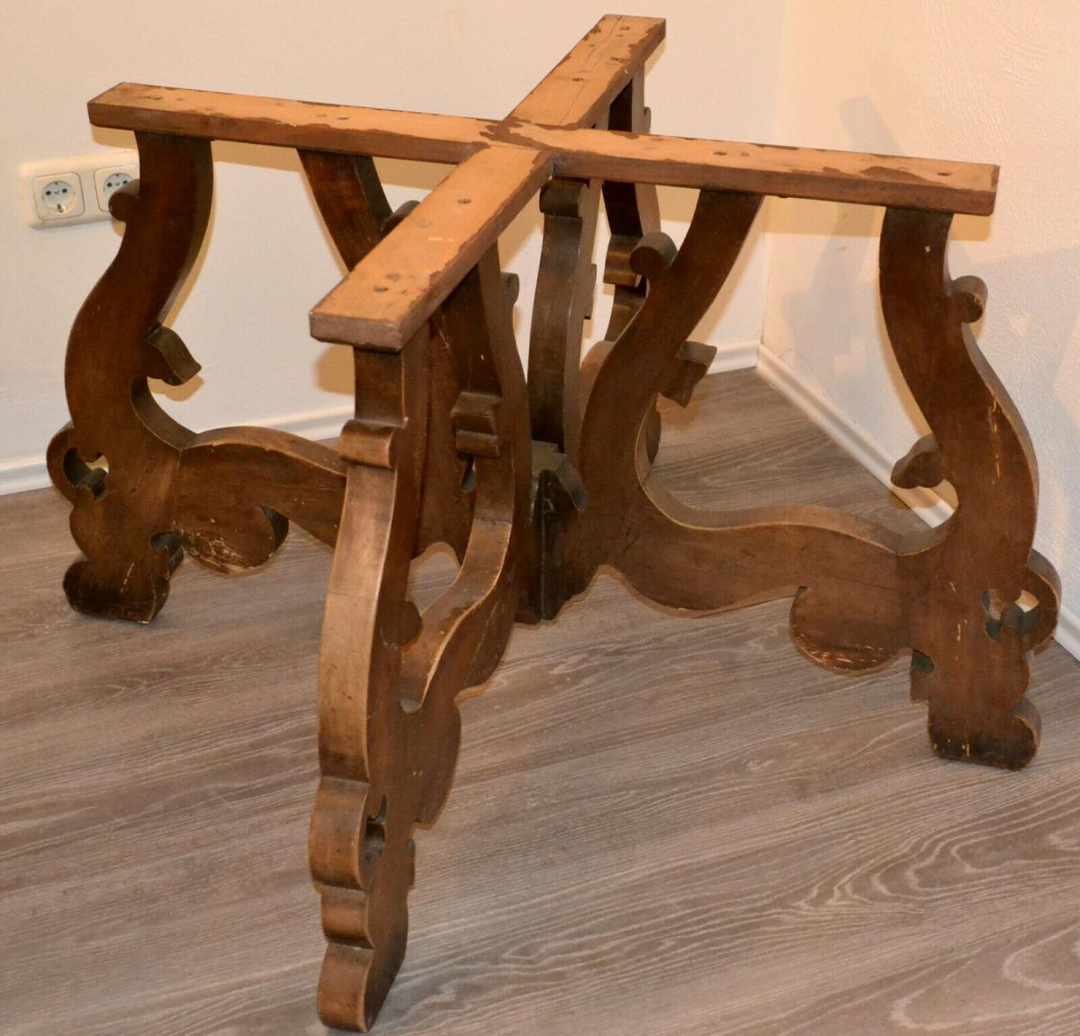 Möbel,runder Bauerntisch, alter Barockfuss, neue Platte,für Restaurator/Bastler 1