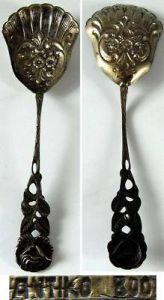 Alter Zuckerlöffel in 800 er Silber mit Rosenmuster