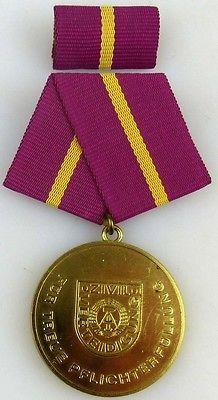 Treue Pflichterfüllung in der Zivilverteidigung der DDRGold 1988-90 (AH277c)