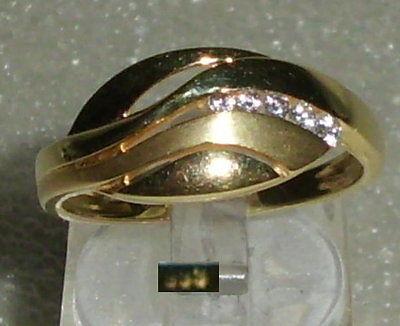 Ring aus 333er Gold mit weißen Steinen, Gr. 58, Ø 18,5 mm neuwertig (da3410)