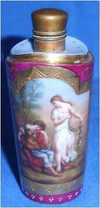 Toller antiker Parfümflakon aus Porzellan 19. Jhd. Rinaldo Wien?? (da3482)