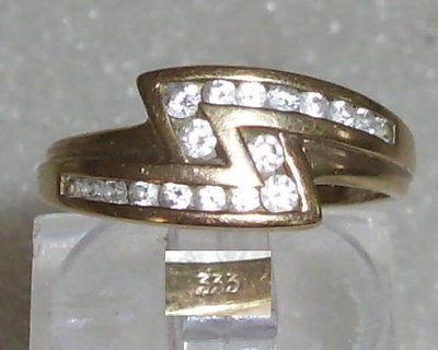 Ring aus 333er Gold mit weißen Steinen, Gr. 51, Ø 16,2 mm (da3528)