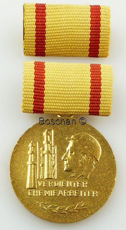 Verdienter Chemiearbeiter 1. Variante verliehen von 1975 bis 1983 (AH97a)