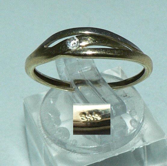 Ring aus 333er Weiß- u. Gelb-Gold mit weißen Steinen, Gr. 56/Ø 17,8 mm  (da4440)