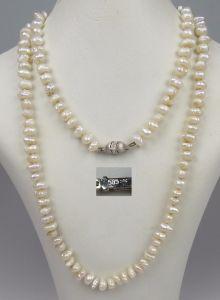 Perlen-Kette mit Verschluß aus 585er Weißgold mit winzigen Diamanten   (da4664)