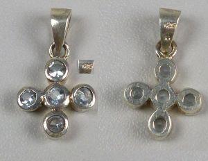 Kreuz-Anhänger aus 925er Silber mit hellblauen Edelsteinen   (da4640) 0