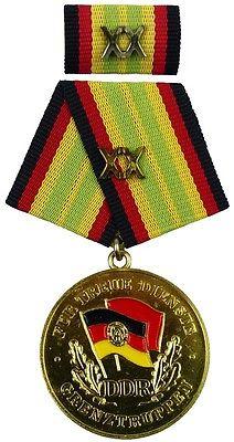 für 20 Jahre treue Dienste in den Grenztruppen der DDR Gold 1987-1990 (AH283d)