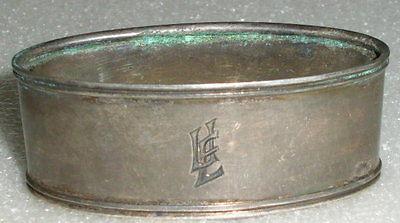 Toller original alter Serviettenring aus 835er Silber mit Monogramm UE