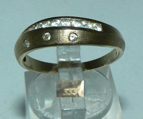 Ring aus 333er Gold mit weißen Steinen, Gr. 60/Ø 19,1 mm  (da4442)
