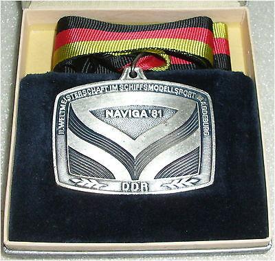 DDR Medaille II. Weltmeisterschaft im Schiffsmodellsport  in OVP (da3307)