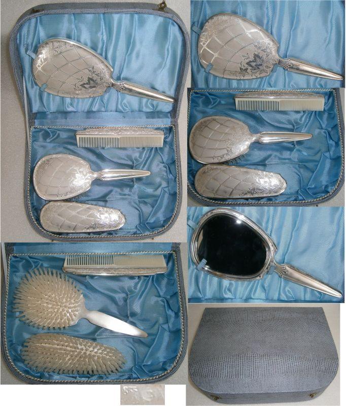Tolles unbenutztes 4-teiliges Toiletten-Set aus 835 Silber im original Koffer