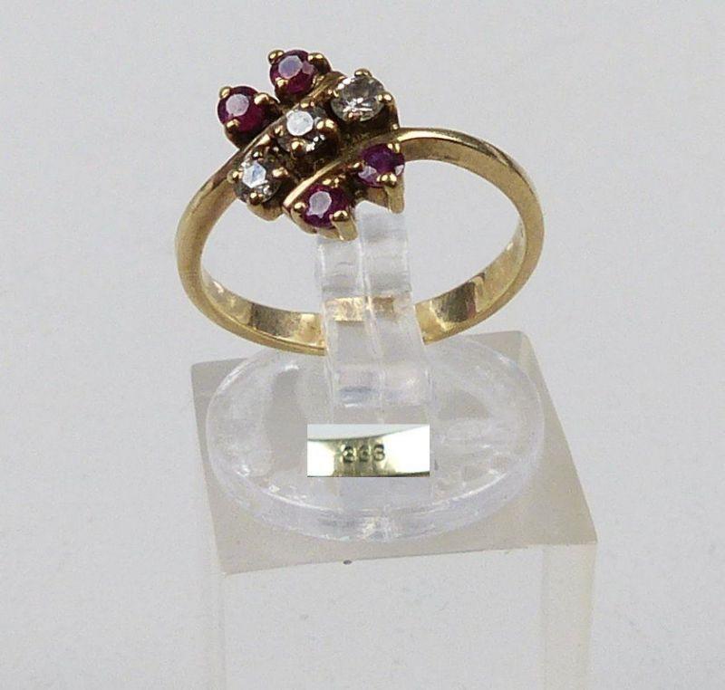 Ring aus 333er Gold mit Granate und weißen Steinen, Gr. 52/Ø 16,6 mm  (da4942)