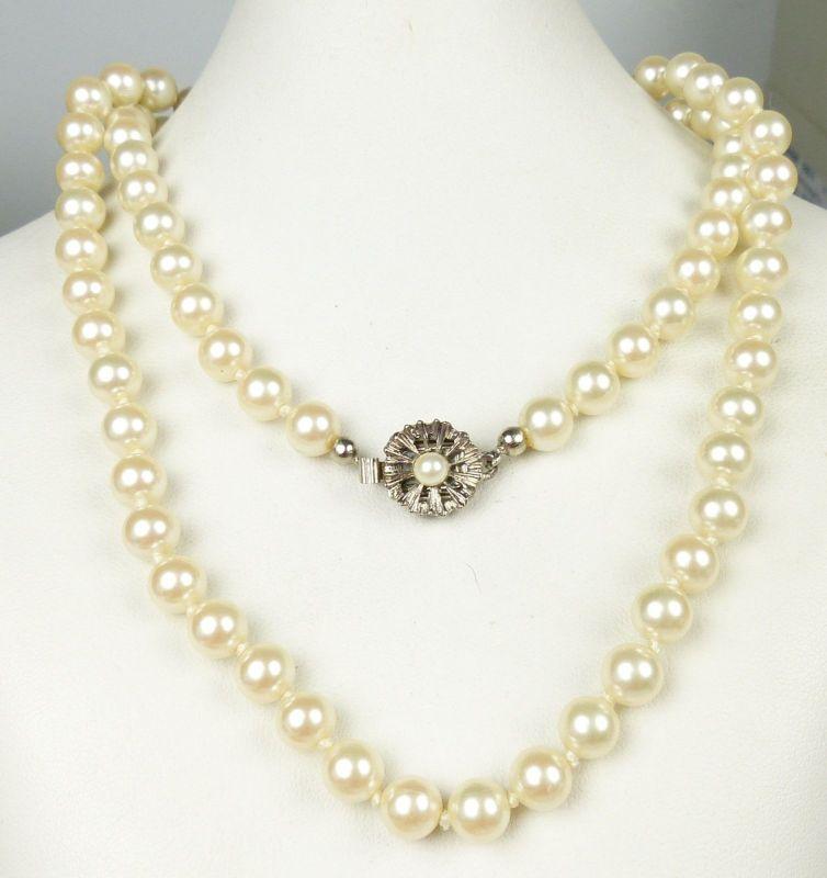 alte Perlen-Kette mit Metallschloß  mit Perle (da5127)