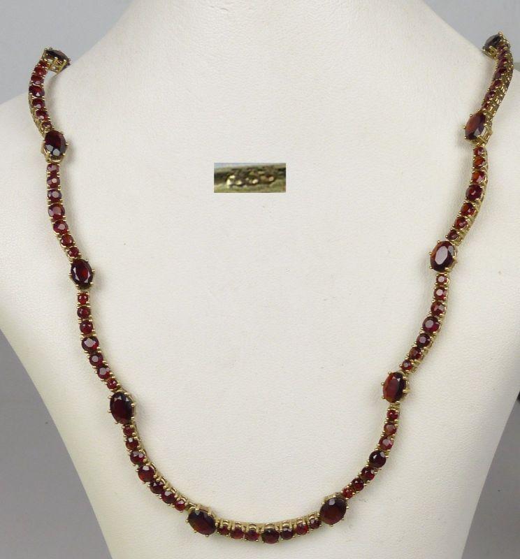 zierliches Granat-Collier aus 333er Gold   (da5108)