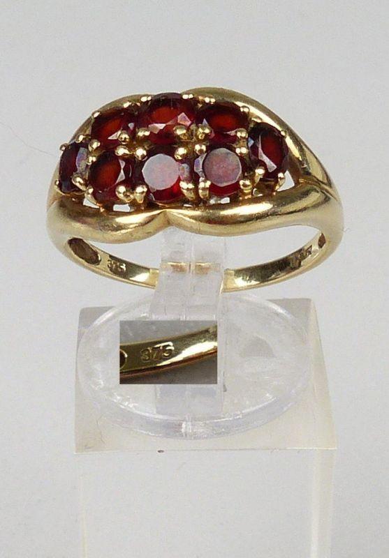 Ring aus 375er Gold mit Granate, Gr. 56/Ø 17,8 mm  (da5074)