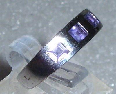 Ring Gr. 53 aus 925 Silber mi Amethyste neuwertig aus Geschäftsauflösung (d9558)