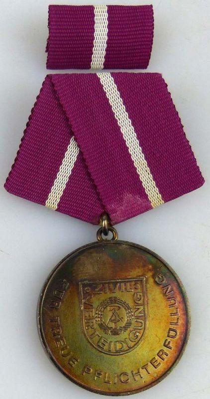 treue Pflichterfüllung in der Zivilverteidigung der DDR Silber 1987-88 (AH278b)