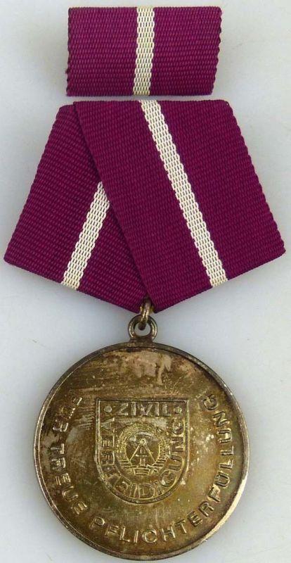 Treue Pflichterfüllung in der Zivilverteidigung der DDR Silber 1977-87 (AH278a)