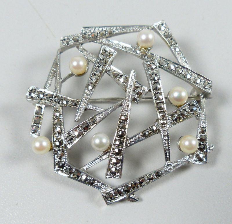 Wunderschöne Brosche aus 800 Silber mit Perlen und Markasiten um 1925   (da5335)