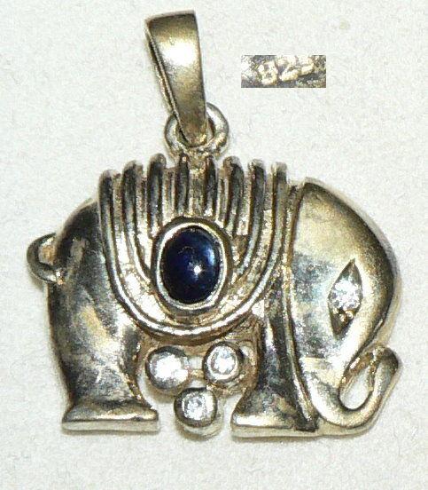 Anhänger Elefant aus 925er Silber vergoldet mit Saphir und weißen Stein (da4277)