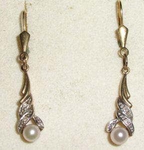 Ohrringe aus 333er Gold mit Perlen