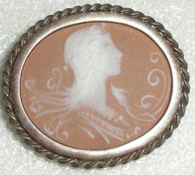 Jugendstil-Brosche/Anhänger aus 925 Silber mit Gemme signiert    (da0870)