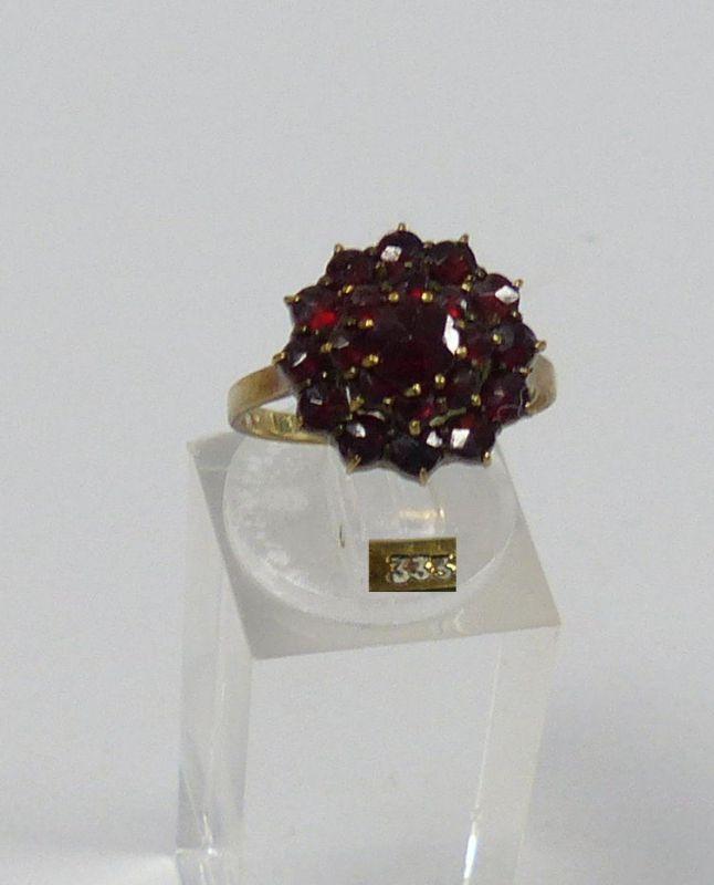 Ring 333 Gold mit Granate     (c2994)