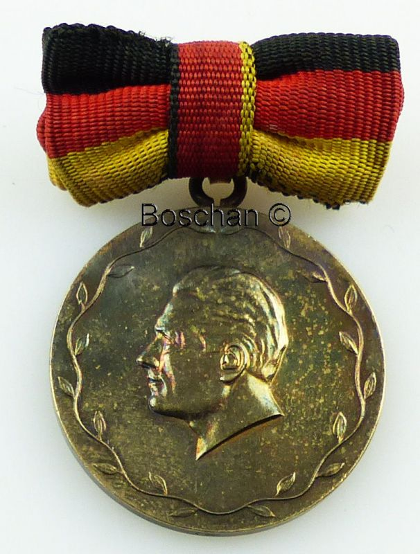 Verdienter Meister des Sports der DDR 1. Variante in 900 Ag 1955- 1970 (AH71a)