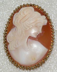 Brosche aus 585er Gold mit Gemme, neuwertig (da2582)