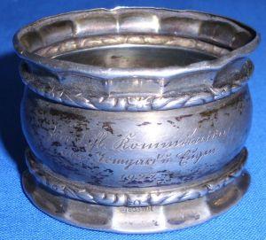 sehr schöner Serviettenring aus 800er Silber