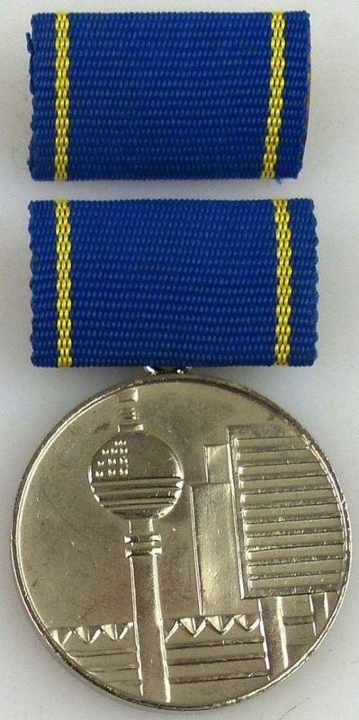 Medaille für hervorragende Leistungen im Bauwesen der DDR in Silber (AH245b)