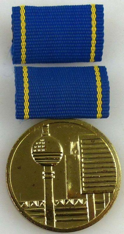 Medaille für hervorragende Leistungen im Bauwesen der DDR in Gold (AH244b)