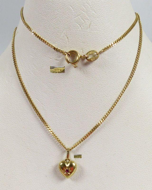 Wunderschöner Herz Anhänger aus 333 Gold mit Rubin, Kette aus 333 Gold  (da5479)