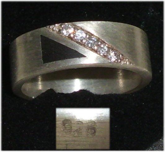 Ring aus 925er Silber mit weißen Steinen,  Gr. 52, Ø 16,6 mm  (da3688)